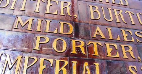 Victorian or Edwardian pub livery