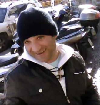 bait and switch thief in Naples. Pacco man