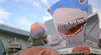 Filme estava em cartaz cartaz quando Marty McFly chegou a Hill Valley no dia 21 de outubro de 2015, em De Volta Para o Futuro II
