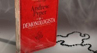 Andrew Pyper trabalha um medo sofisticado, ajudado pela narrativa em primeira pessoa e pelas indagações curiosas da parceira do protagonista