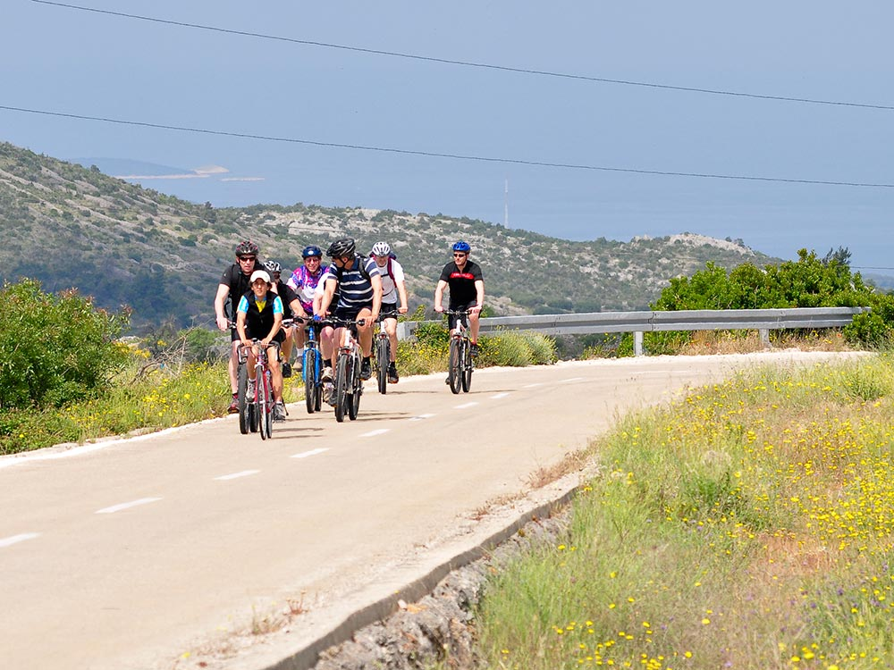 CYCLING TOUR! Cycle through nature of the Cetina canyon