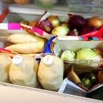 冷蔵庫の野菜室は紙袋収納で衛生的に!無駄が減り食費節約にもオススメ!