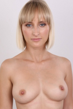 natural d cup breasts