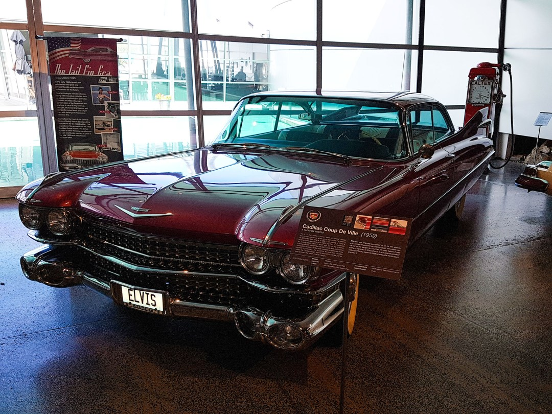 Cadillac 1959 at WOW Classic Cars for boomervoice