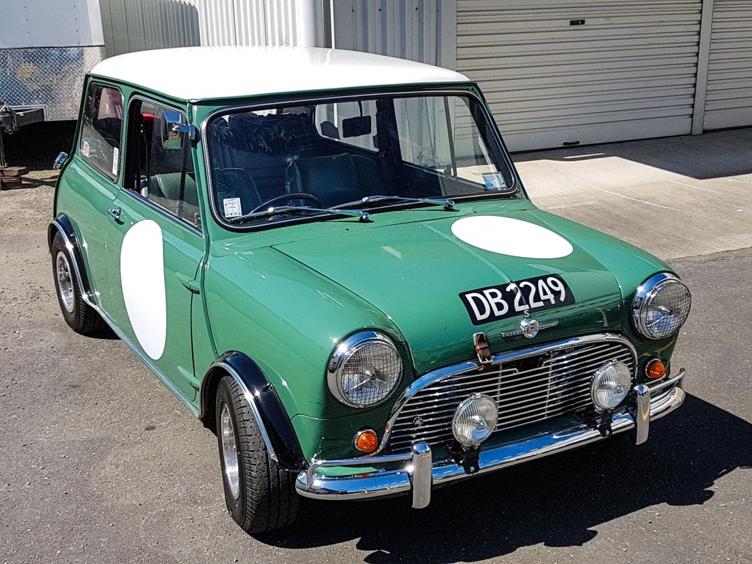 Mini at WOW Classic Cars for boomervoice