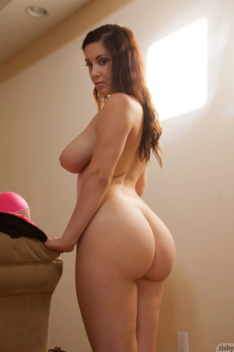 curvy wide hip moms