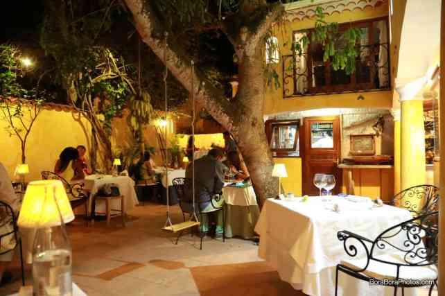 La Villa Mahana restaurant in Bora Bora