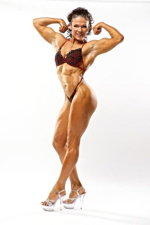Светлана Пугачёва уникальная спортсменка, и мне приятно что мы дружим, и в своё время сделали не одну фотосессию и не один арт проект. Вот такая она красавица когда она в форме ( и не в форме тоже красавица) – фитнес фотосессия прошла у нас зимой, я снимал её в паре […]