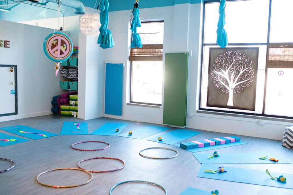 born-yoga-birthday-party-3