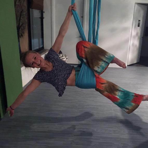 stephanie-hill-born-yoga-instructor