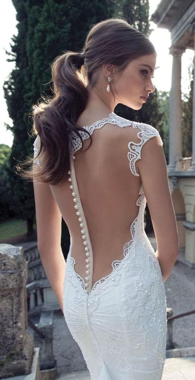 Berta Backless Buttons