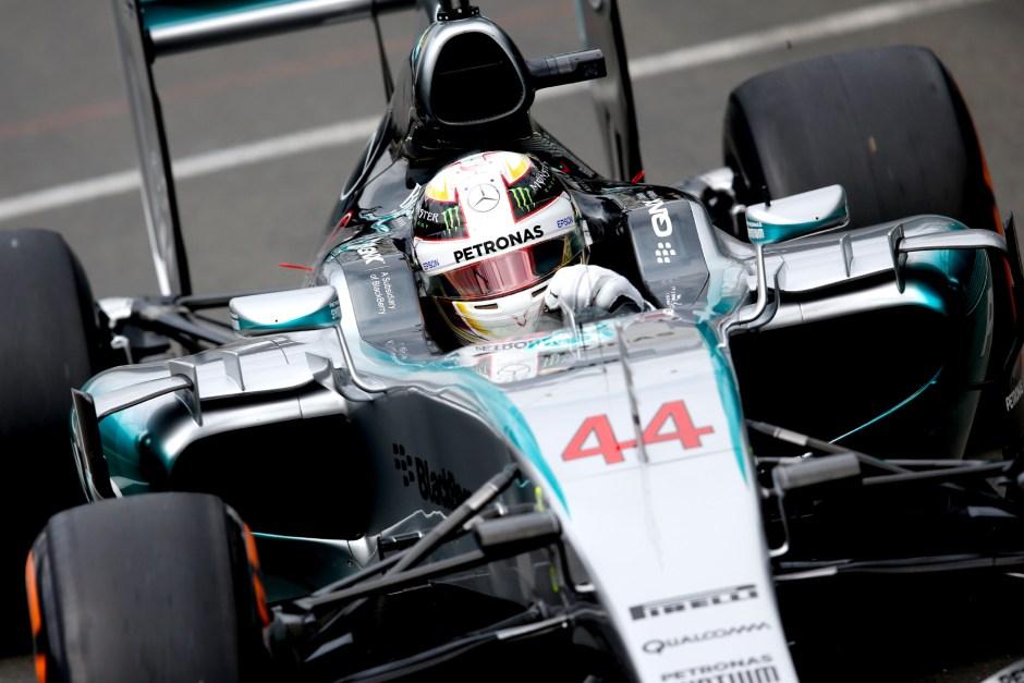 Lewis Hamilton wins home race thriller