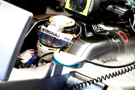 Hamilton seizes pole in farcical Aus GP qualifying