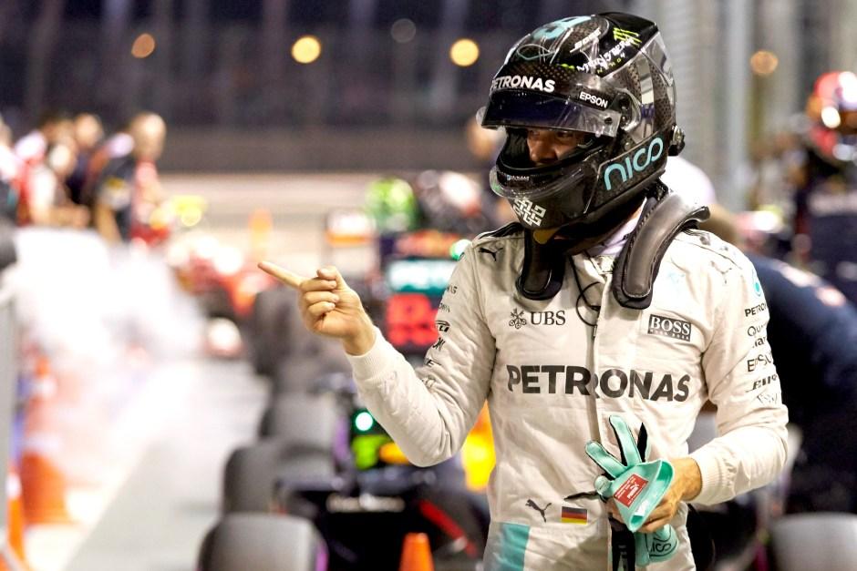 Rosberg wins simmering Singapore