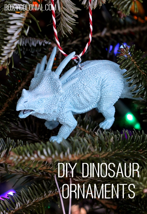 Make ornaments out of plastic dinosaurs (or other animals). Tutorial at Boxycolonial.com!