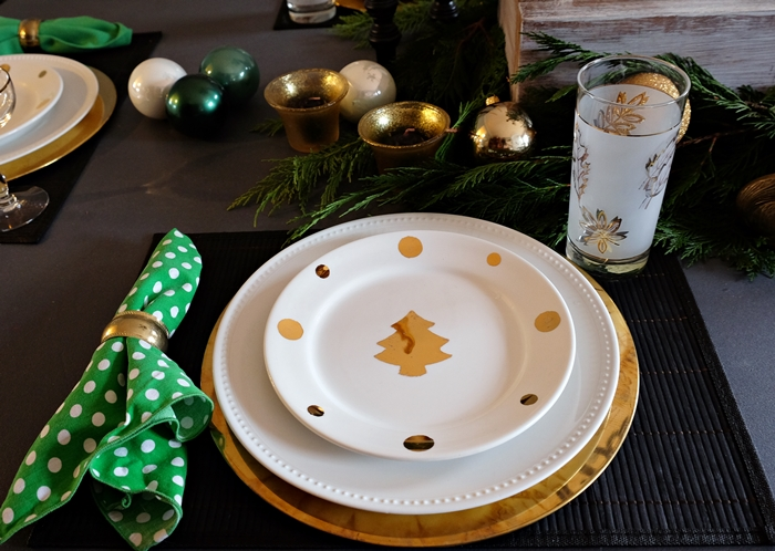 gold christmas tree plates