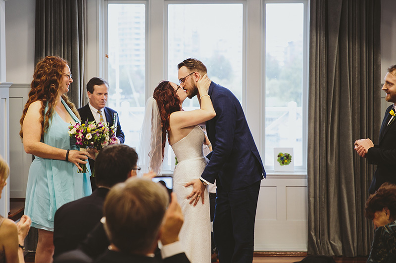katie-eric-vancouver-rowing-club-wedding-booyoum-photography-396