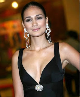 Luna Maya Bugil
