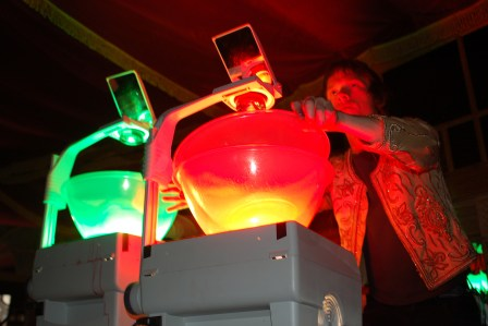 Julian Hand provides ink and oil projections at the Warp Records party, Branchage 2008
