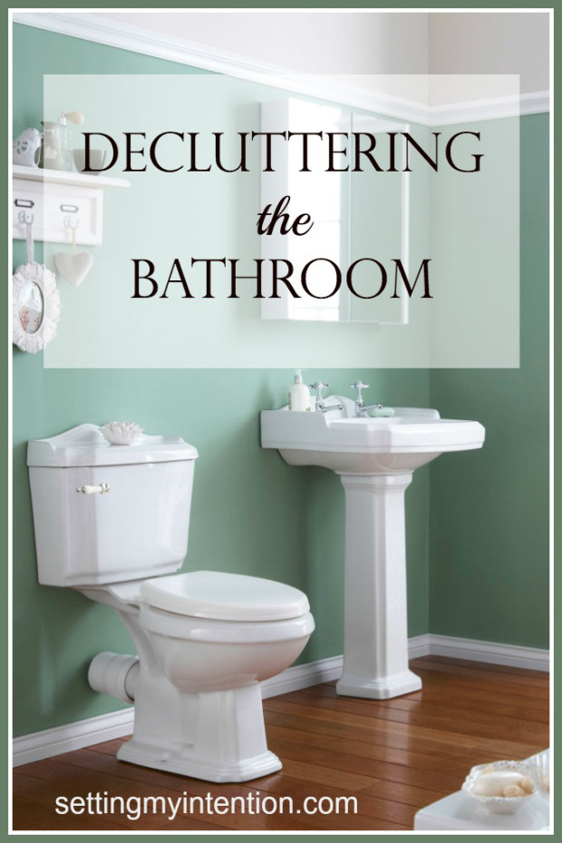 Decluttering-the-Bathroom-2
