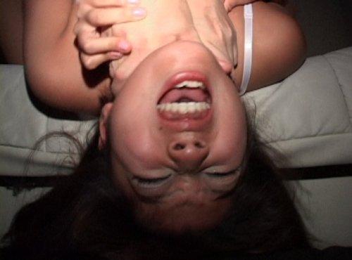傲慢で気が強い女を首を絞めて気絶させ拉致。そして首を絞めながら犯し続ける首絞めレイプ動画 夢咲かのん
