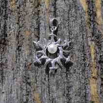 jewelry-freshwater-pearl-snowflake-pendant