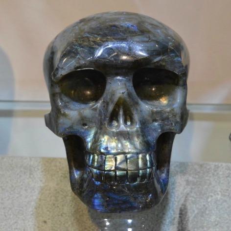 labradorite-skull