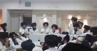 הרב יצחק לעזער בדרשה בסעודה שלישית ביבנאל עיר ברסלב