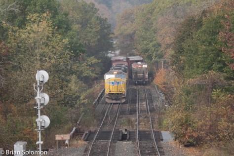 Pan_Am_14R_arrives at East_Deerfield_w_UPSD70M_DSCF5132