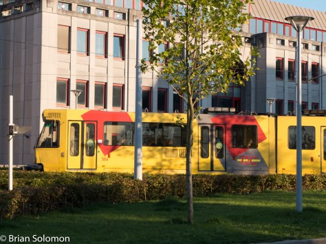 TEX Tram at Charleroi Sud. Lumix LX7 photo.