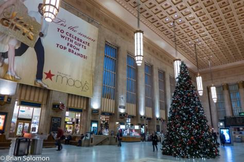 Amtrak_30th_St_Station_Philadelphia_Christmas_Tree_P1360290
