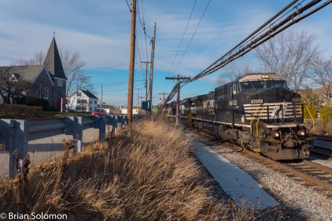Intermodal train 22K at Ayer, Massachusetts in November 2015. Lumix LX7 photo.