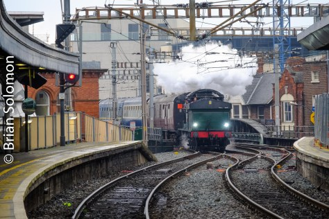 461 approaches Connolly Station.