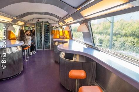 Lounge on a TGV Duplex set (a double-deck TGV train).