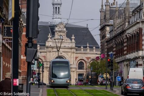 Valenciences_Station_w_tram_DSCF6240