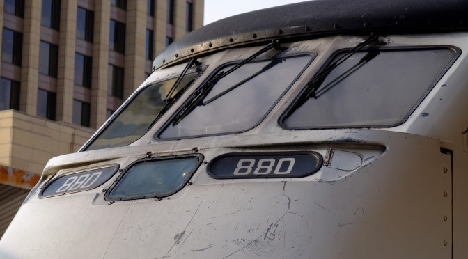 Locomotive Geometry—Metrolink F59PHI.