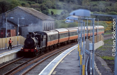 Railway Preservation Society Ireland engine 186 arrives at Farranfore, County Kerry on 6 May 2006.