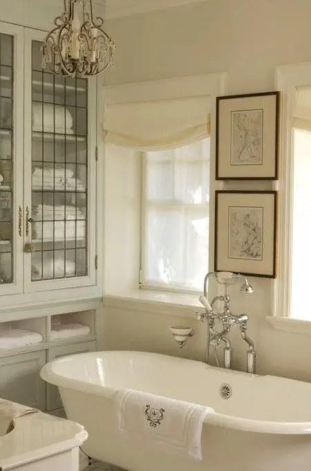 salle de bain blanche 2 Choisir la couleur de la salle de bain   21 Idées de couleurs