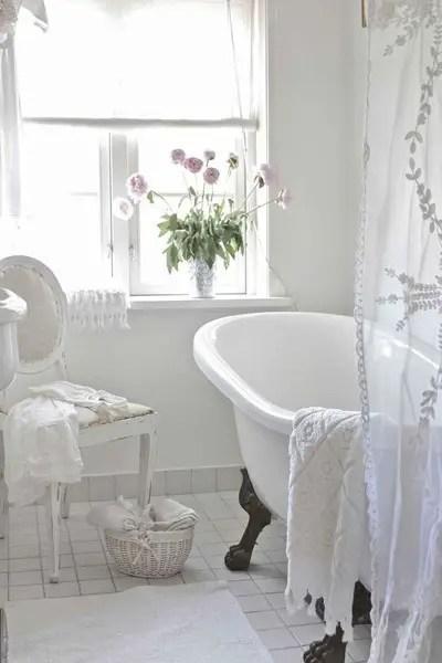 salle de bain blanche Choisir la couleur de la salle de bain   21 Idées de couleurs