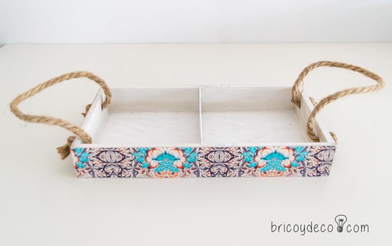decorar caja de madera con decoupage