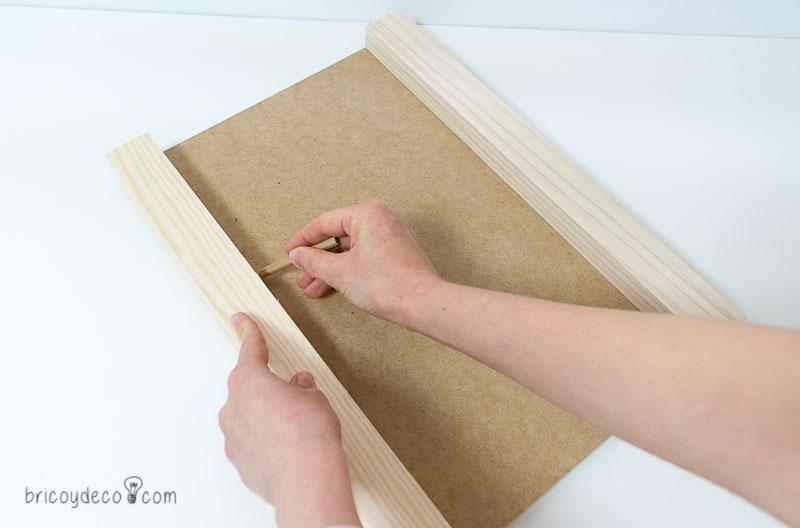 cómo hacer una mesa auxiliar DIY para el sofá