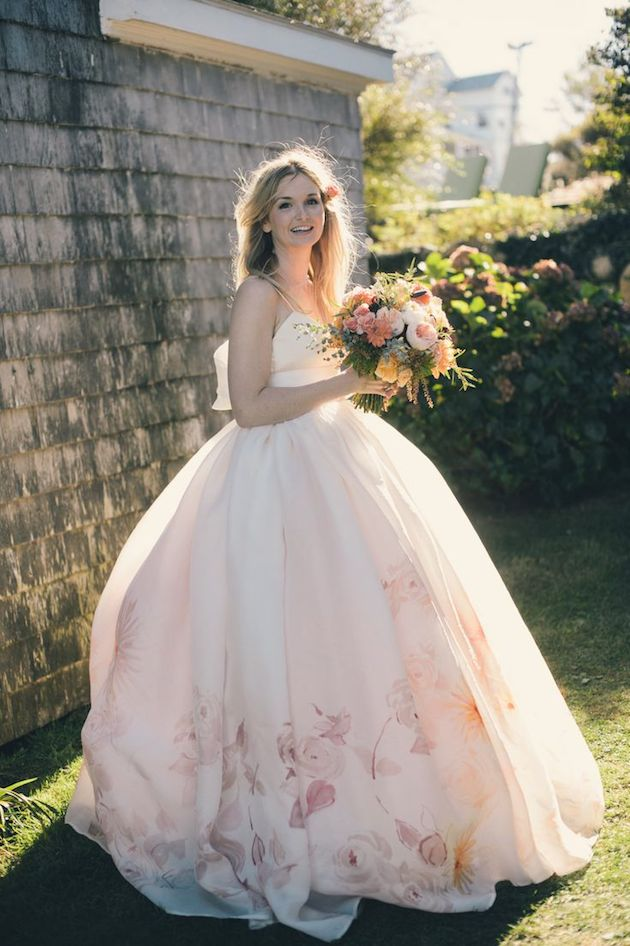 15 HEAD-OVER-HEELS GORGEOUS FLORAL WEDDING DRESSES