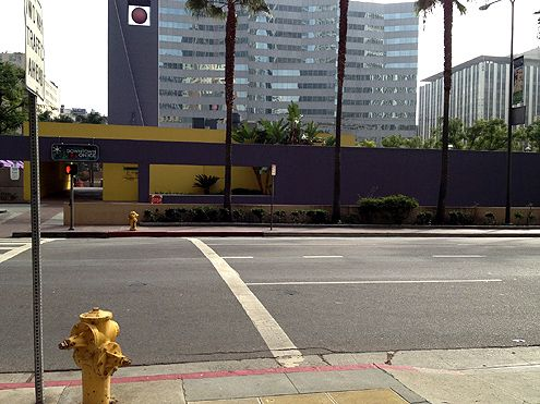 Walls surround Pershing Square, turning its back to the street (Photo: Michael Walzman)