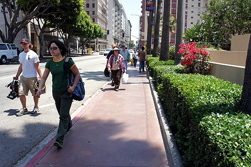The narrow width of the sidewalks surrounding Pershing Square is considered anti-pedestrian in such a busy pedestrian district (Photo: Brigham Yen)