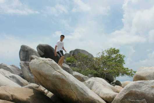 Batuan di Pulau Lengkuas