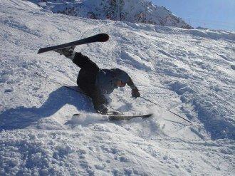 skiing falling