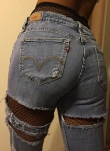 fish-nets-under-jeans