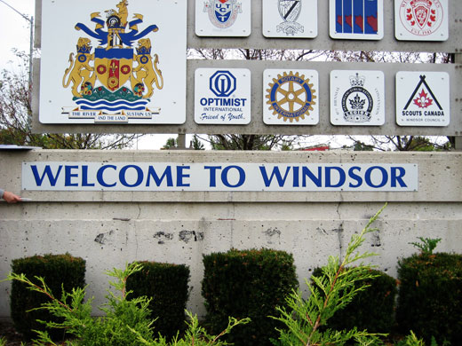 Welcome to Windsor sign on Dougall, just off the 401