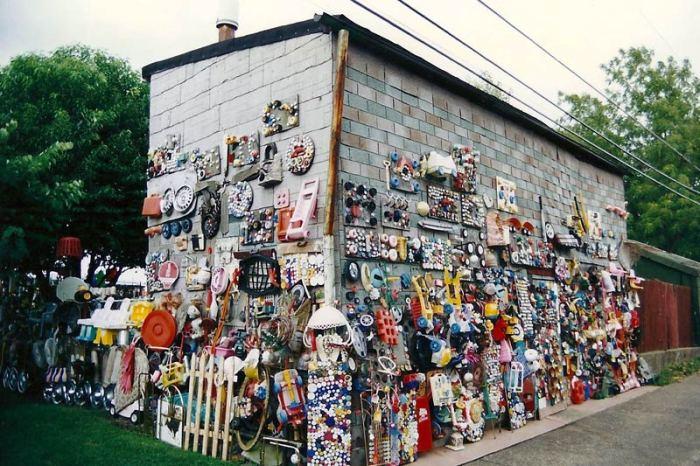 Gus Ballard's Germantown backyard in 1996. (Courtesy Lawrence Harris)