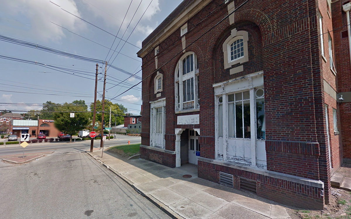 bardstown dating The talbott tavern is one of the oldest buildings in bardstown, dating back to 1779 the tavern has served many purposes over the years,.